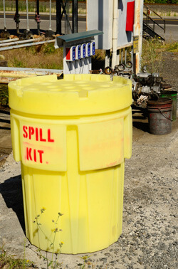 Chemical_Spill_Cleanup_In_9_Steps-Creative_Safety_Supply-250x378