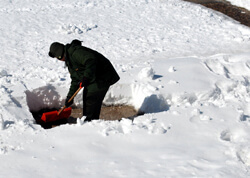 Snow_Shoveling_Heart_Attacks-Update-Creative_Safety_Supply-250X178