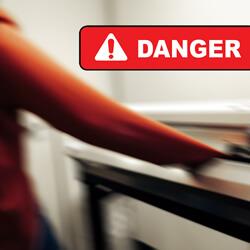 loose_clothing_hazards-Creative_Safety_Supply-250x250